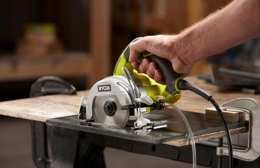 The Safety of Using Wet Tile Saw